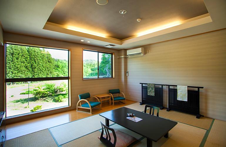 房間是舖榻榻米的和室。